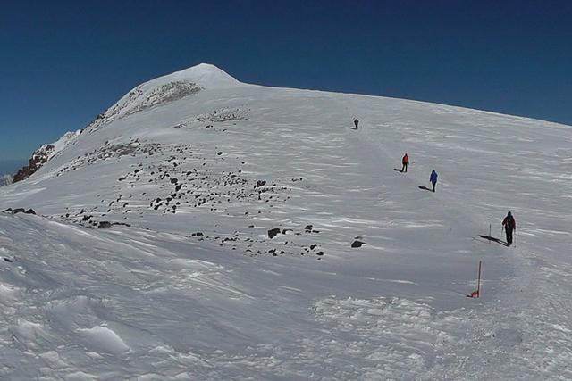 Последни метри преди връх Елбрус