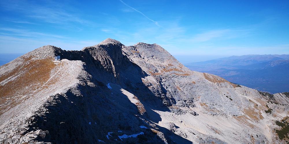 Ридът Котешки чал, сниман от връх Бански суходол