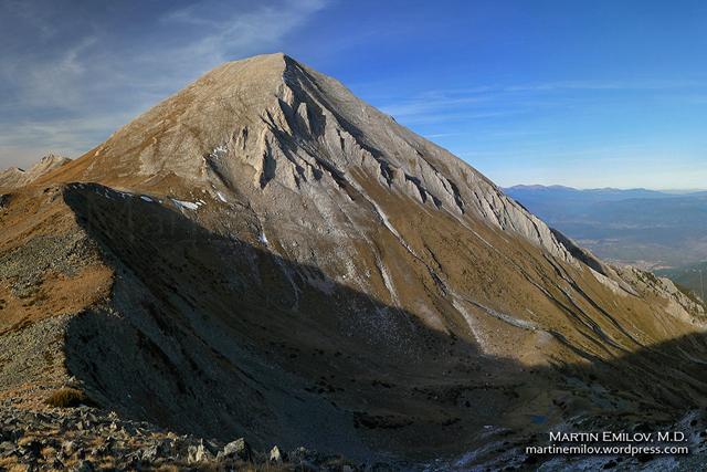 Връх Вихрен гледан от склоновете на Хвойнати връх