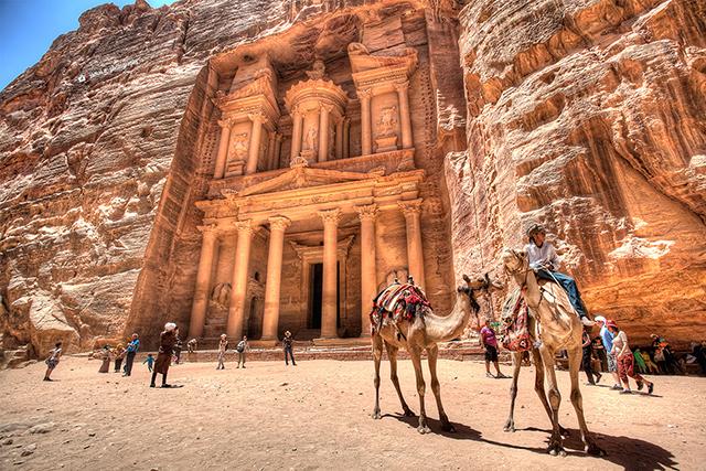 Трекинг в Йордания - Уади Рум, масива Jebel Geder, връх Jebel Um Adaami и древната Петра