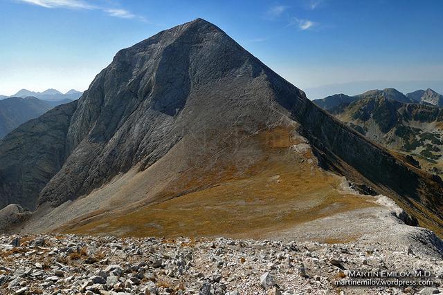 Връх Вихрен гледан от склоновете на връх Кутело
