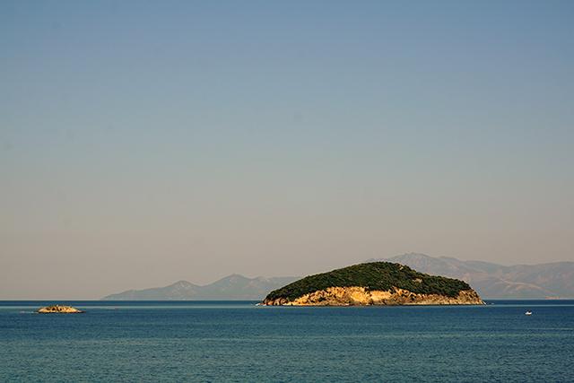 Катерене на Неа Ираклица, Гърция