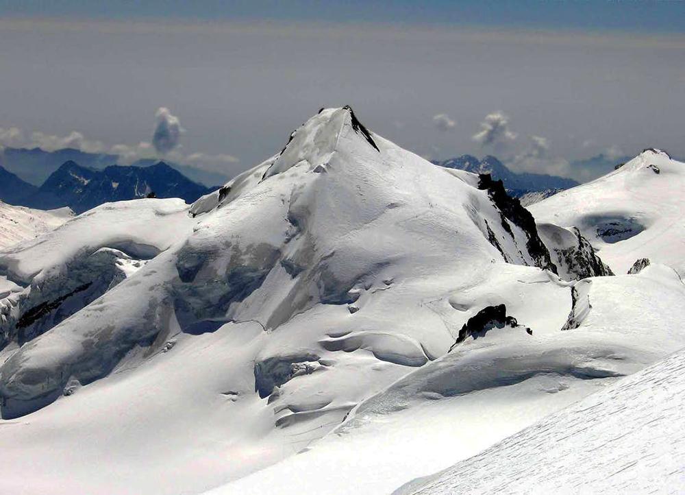 Връх Allalinhorn гледан от Alphubel