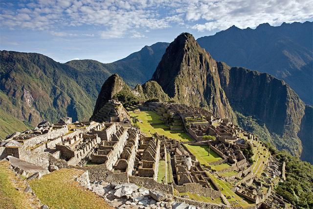 Пътешествие в Перу - Мачу Пикчу, Наска, каньона Колка, Титикака, Свещената долина и планината Рейнбоу