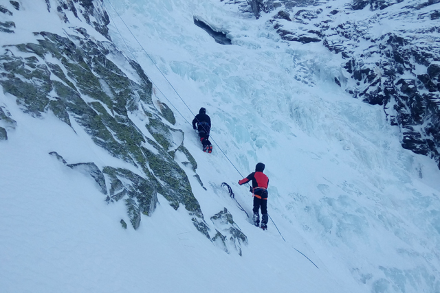 Beginners Ice Climbing on Skakavitsa, Bulgaria