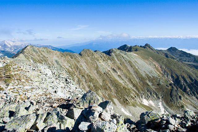 Ушиците и Стражите гледани от връх Полежан