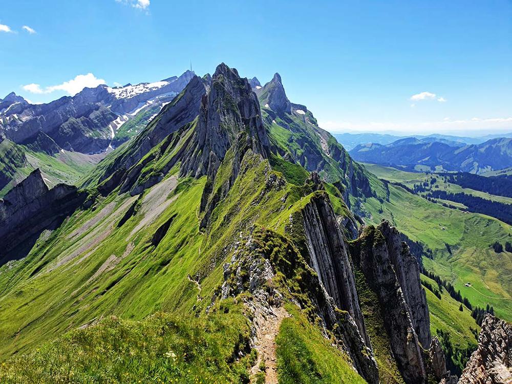 Зимно изкачване на връх Ботев през хижа Рай