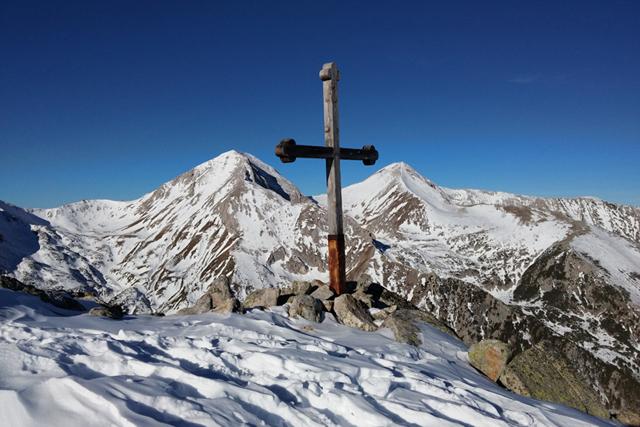 Върховете Вихрен и Кутело гледани от подстъпите на Тодорка