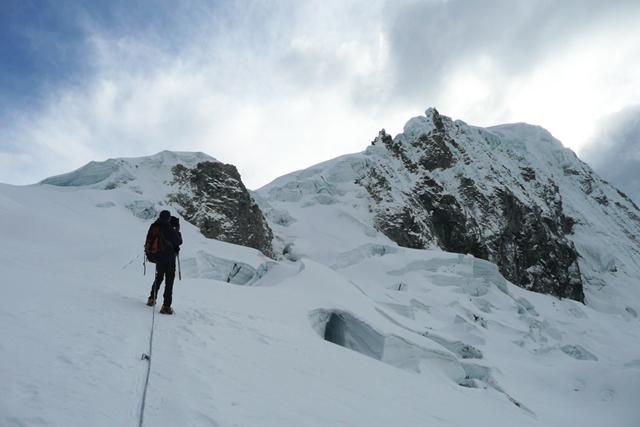 По ледниковите склонове на връх Писко