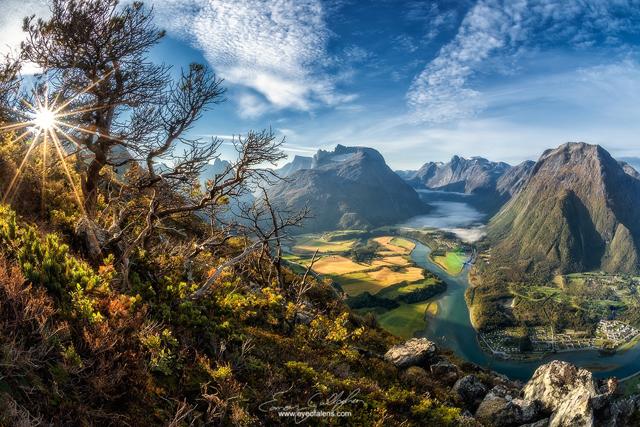 Поглед от гребена Romsdalseggen