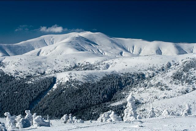 Зимно изкачване на връх Руен в Осогово