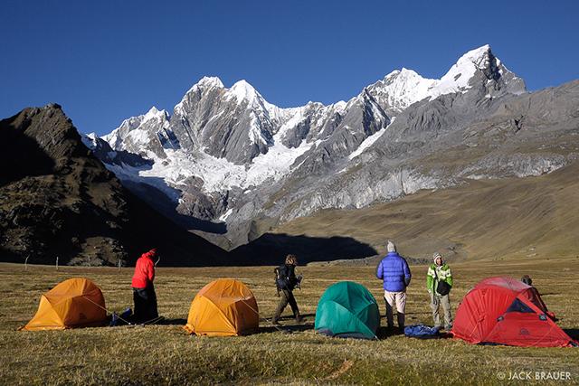 Трекинг в Кордилера Уайуаш до базовия лагер на Суила Гранде с изкачване на връх Diablo Mudo