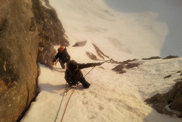 Зимно изкачване на Северната стена на връх Вихрен по тур Кулоара